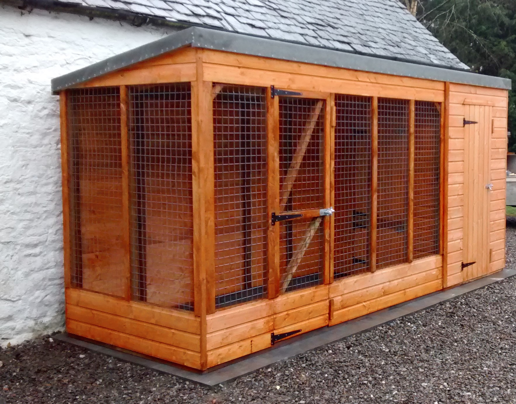 Dog Kennel (15' x 5')
